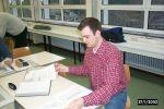 Als 12. Kursstunde werden Musterprüfungen aller drei Prüfungsfächer angeboten. Beim Korrigieren der Antwortbögen: DF3DCB